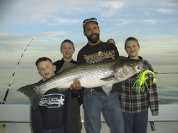Worm sportfishing charters gallery 11 99 for Fishing worms near me