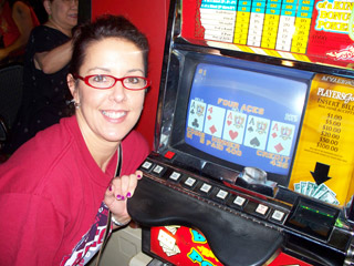 $400 worth of Aces on a Dollar machine for Lisa!!